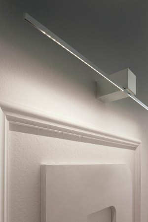 Orizzonte by Icone, a high-quality LED wall- and picture light